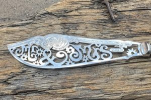 Silver Plate Mr & Mrs Wedding Knife